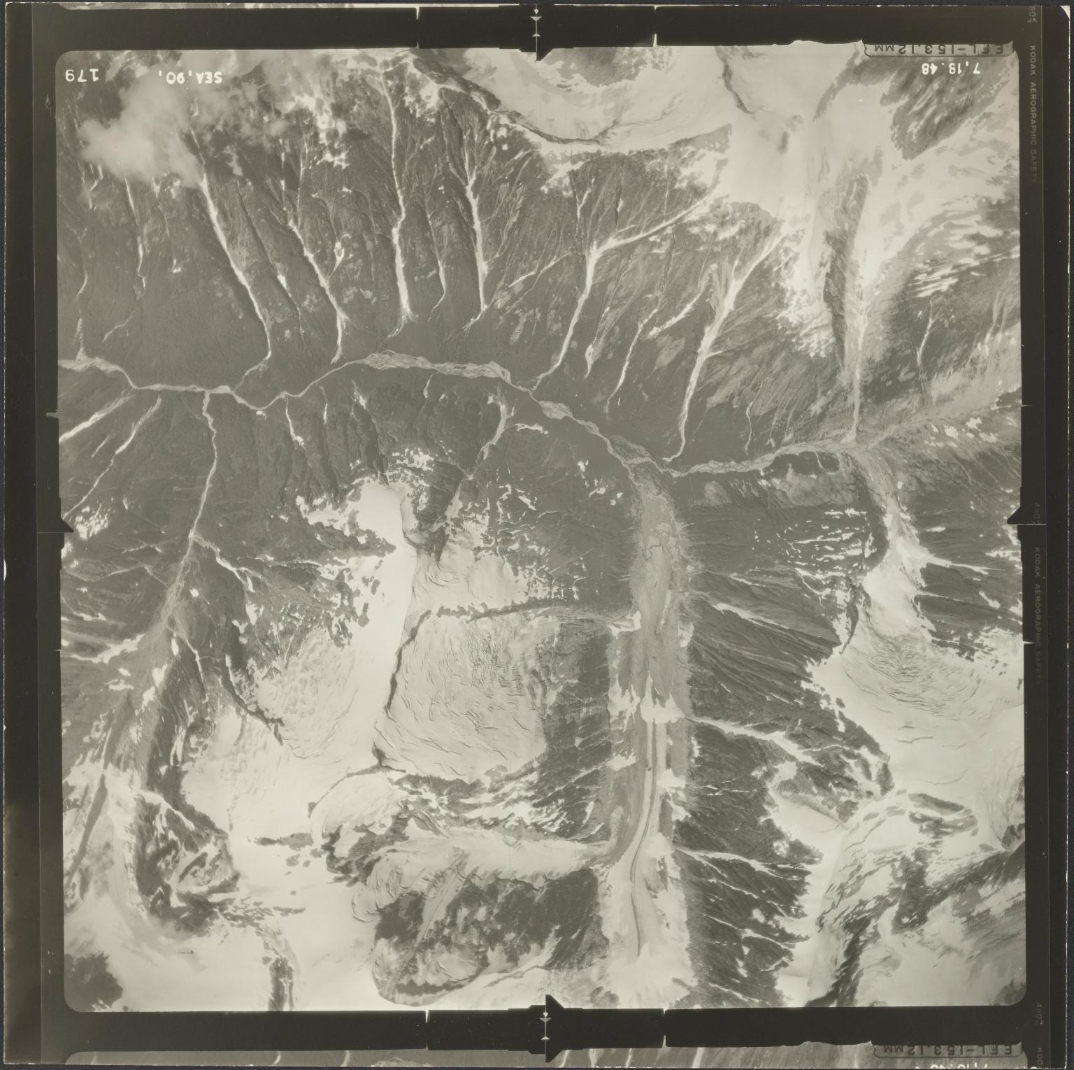 Unknown glacier near Iskut River, aerial photograph SEA 90-179, British Columbia