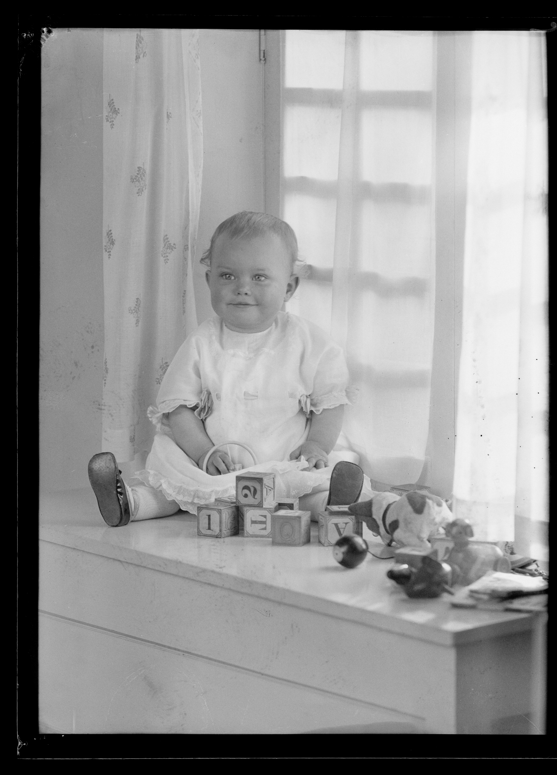 Portraits of child of Mrs. L. P. Weld