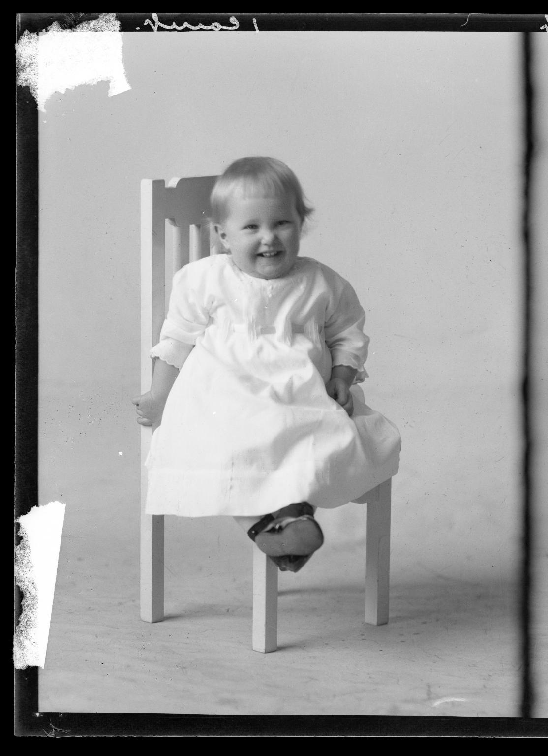 Portraits of child of R. M. Sutton