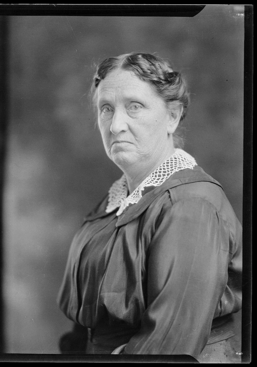 Portraits of Mrs. E. L. Mintz