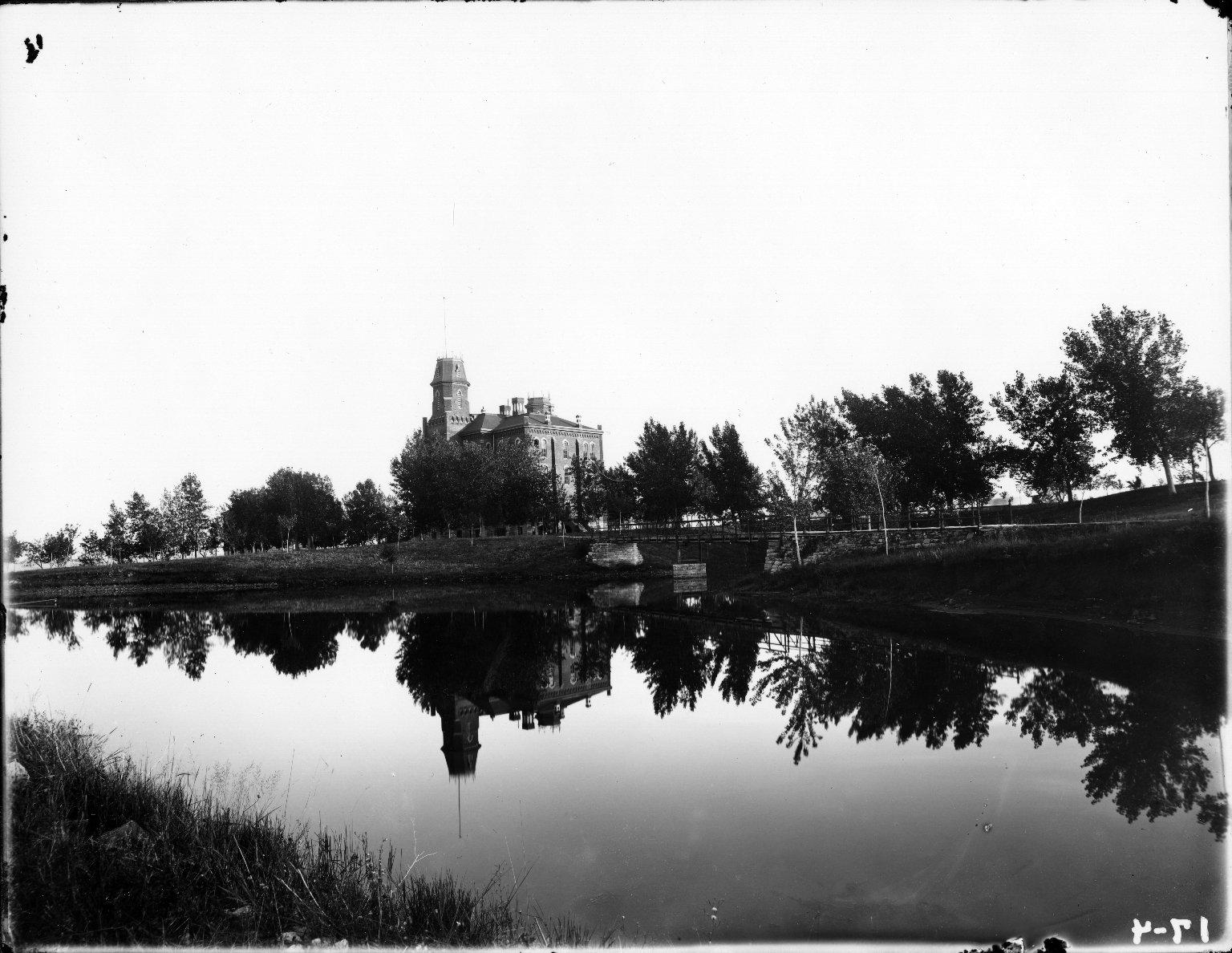"""V Lake I Main 6"""""""