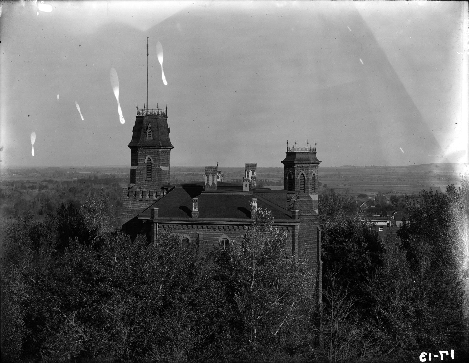 Main from roof of Hale 1911