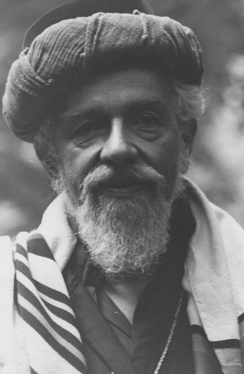 Rabbi Zalman Schachter-Shalomi in sheikh's turban, robe, and tallit, ca. 1980s.