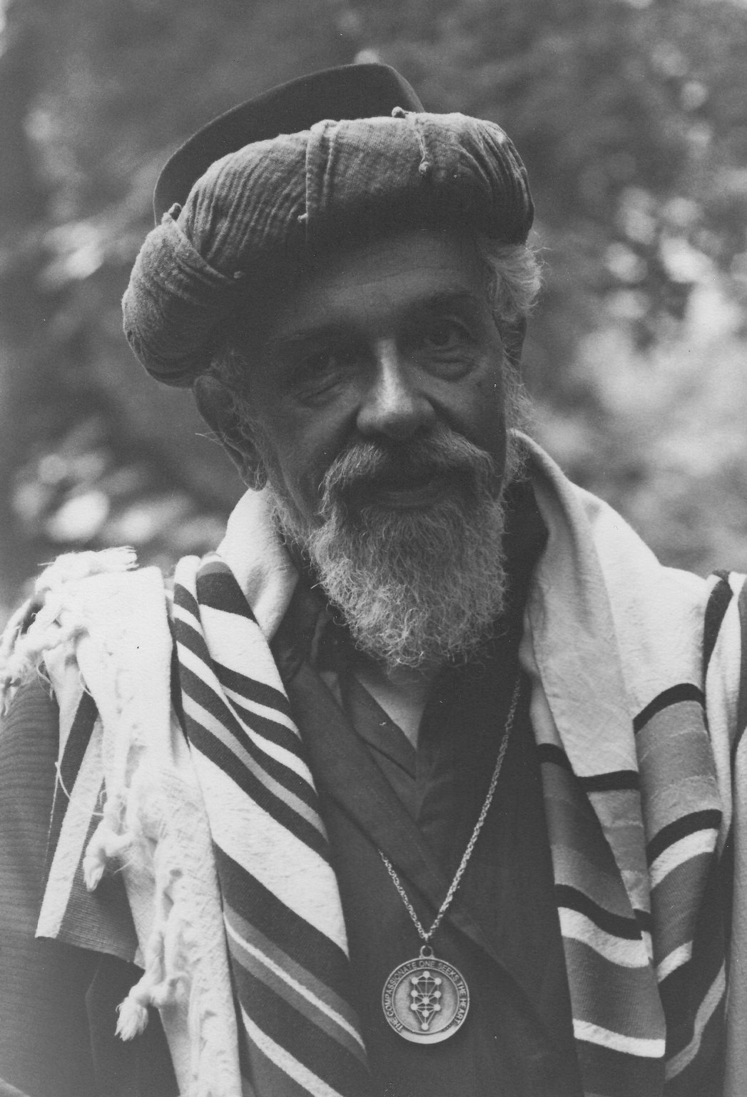 Rabbi Zalman Schachter-Shalomi in sheikh's turban, robe, tallit, and B'nai Or medallion, 1980s.