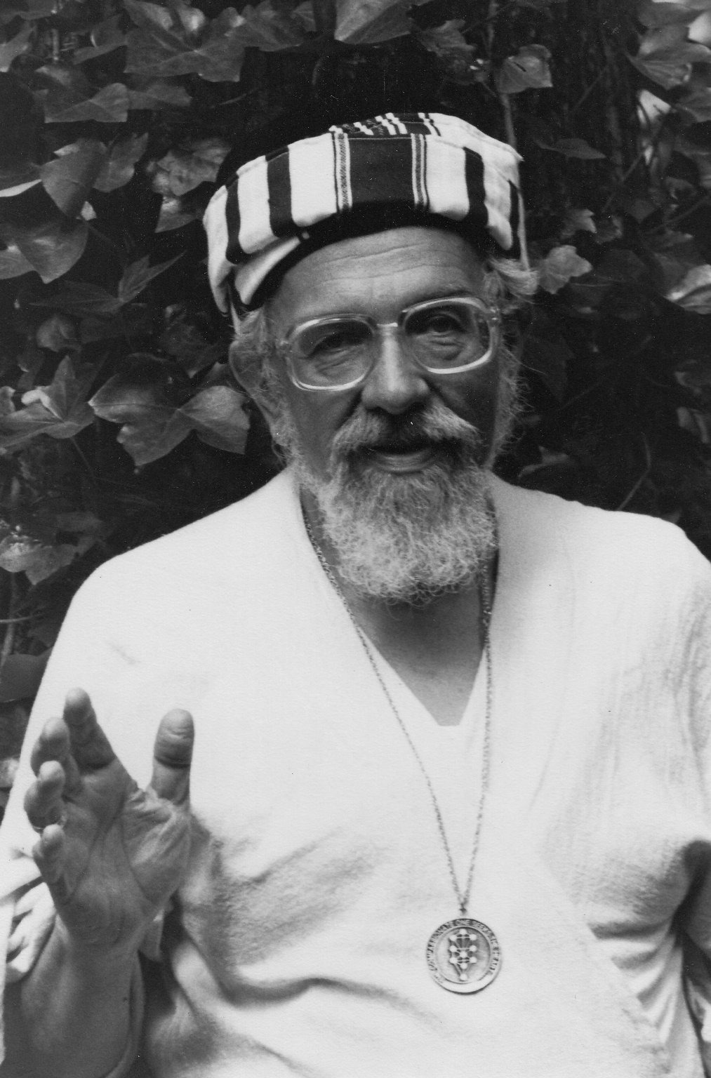 Rabbi Zalman Schachter-Shalomi in stiped turban with B'nai Or medallion, ca. 1980s.