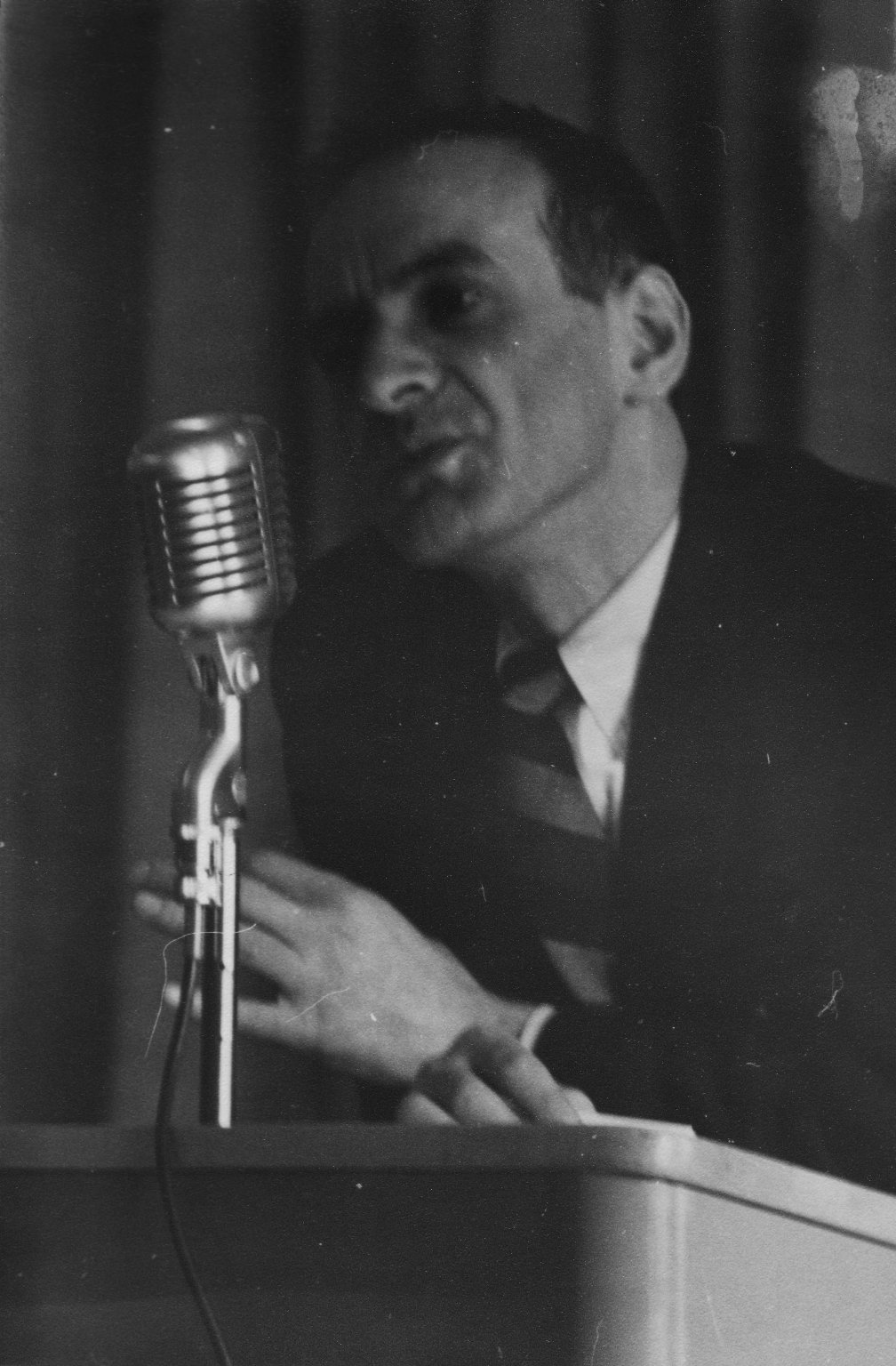 Elie Wiesel speaking to an audience in Minneapolis, Minnesota, where Schachter-Shalomi had brought his students to see him, ca. 1960.