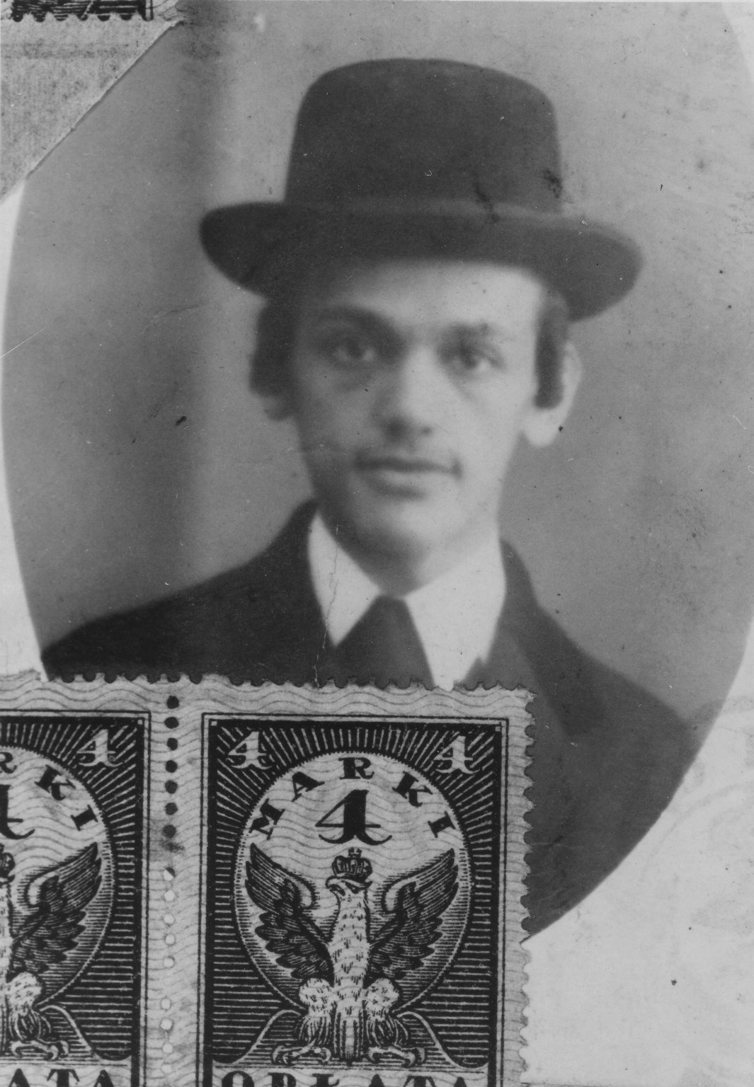 Photo of Shlomo Schachter as a young Belzer hasid, about 17 years old, ca. 1915.